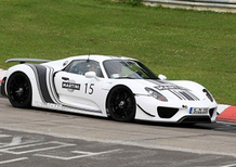 Porsche 918 Spyder: al 'Ring in livrea Martini Racing