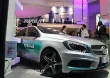 Mercedes-Benz: bagno di folla a Milano per Rosberg e la Classe A