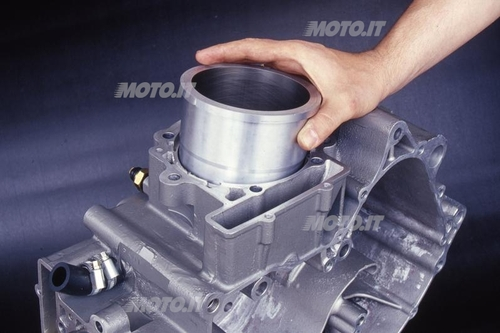 Canna Moto Morini: Le canne riportate in umido spesso possono essere installate e rimosse a mano