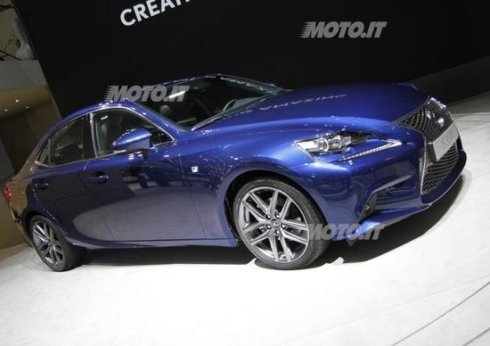 Nuova Lexus IS 300h: i prezzi