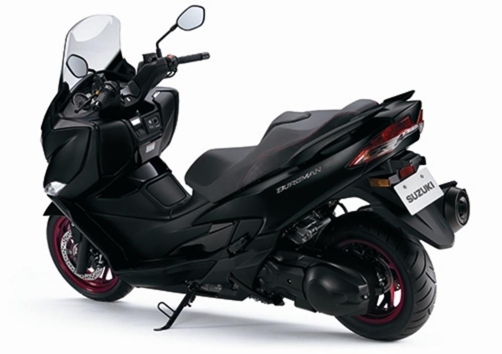 Suzuki Burgman 400 (2017 - 19) (2)