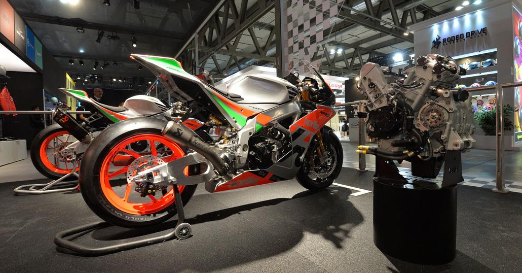Aprilia RSV4 Factory Works GP, la MotoGP per (quasi) tutti