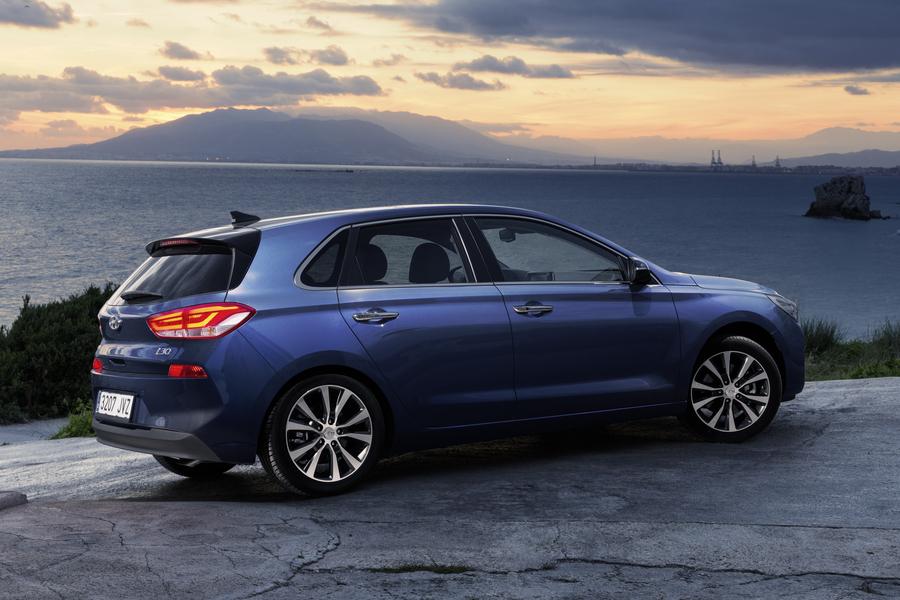 Hyundai i30 (2017->>) (3)