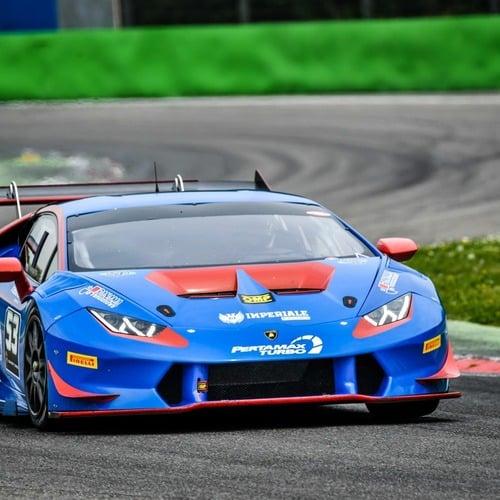 Lamborghini super trofeo conclusi i test pre stagione for Concessionari lamborghini